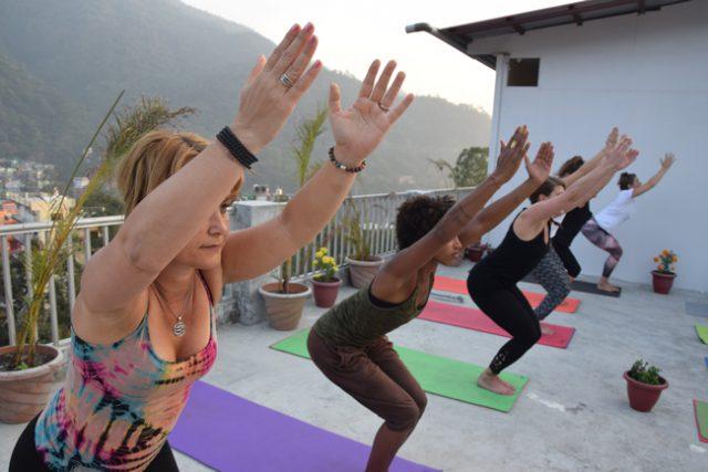yoga half bend pose