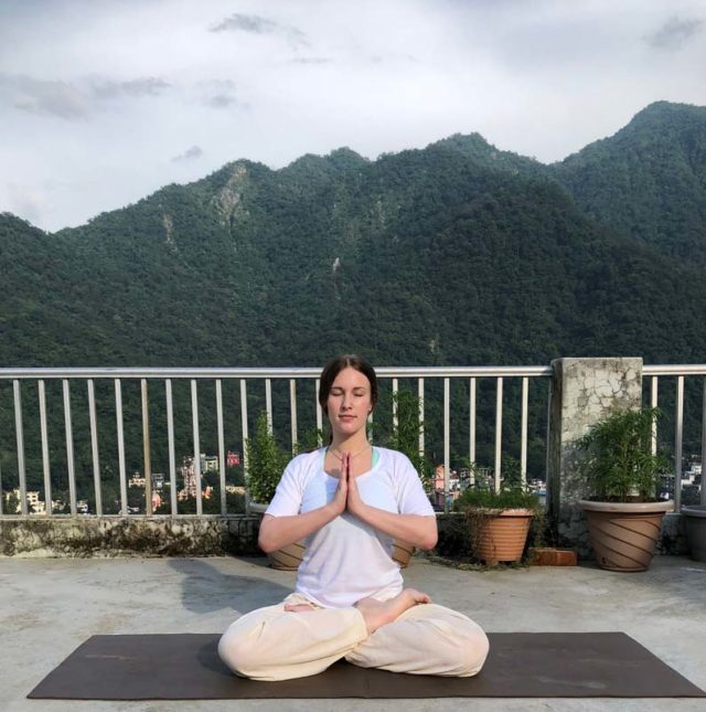 Makarasana - Yoga Posture