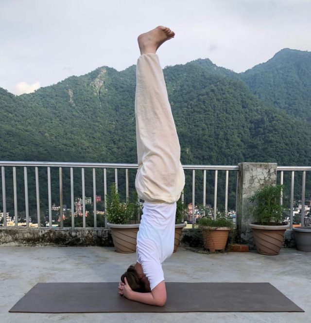 Learn to practise The 6 Most Efficient Yoga Postures to Start Your Morning Right