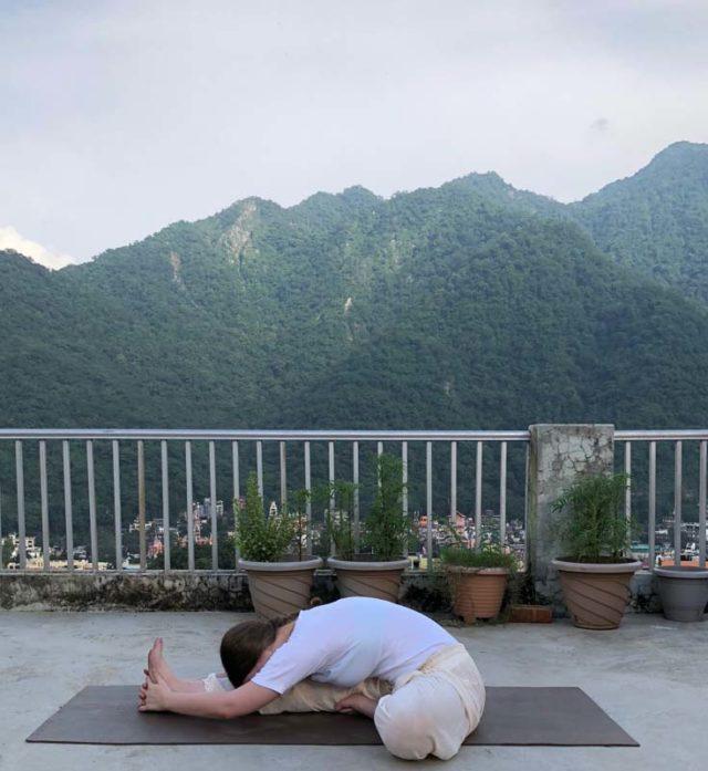 Yoga Asana - Janu Shirshasana